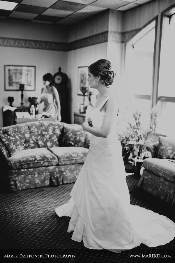indianwood golf and country club lake orion michigan wedding photographer10 Megan and Keith are Married! | Wedding at Indianwood Golf and Country Club in Lake Orion, MI