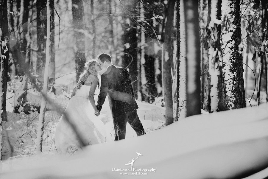 winter wedding red rock the dress clarkston forest snow cold photoshoot photography marek04 Lindsey and Nicks Winter Rock the Dress in a Snowy Forest | Clarkston MI