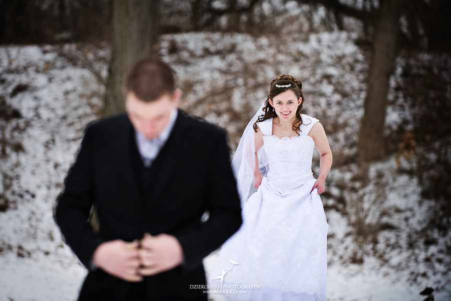 Kayleena Nick Heslip Whalen winter wedding photography pictues Howell michigan red snow09 Kayleena and Nicks Winter Wedding in Owosso, MI