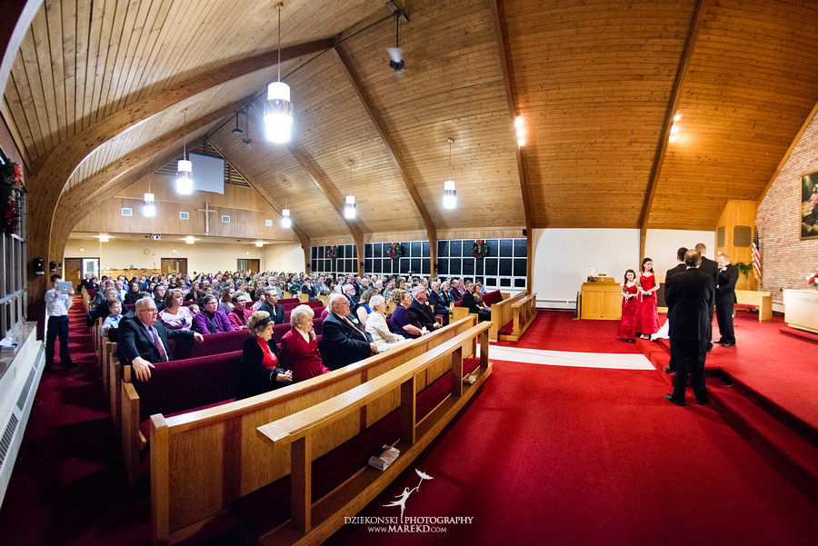 Kayleena Nick Heslip Whalen winter wedding photography pictues Howell michigan red snow21 Kayleena and Nicks Winter Wedding in Owosso, MI