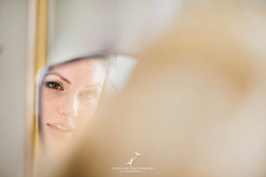 Taryn Nick colony club detroit downtown wedding photographer michigan winter snow townhall renaissance center GM central depot07 Taryn and Nicks Snowy Winter Wedding at Colony Club in Downtown Detroit, MI