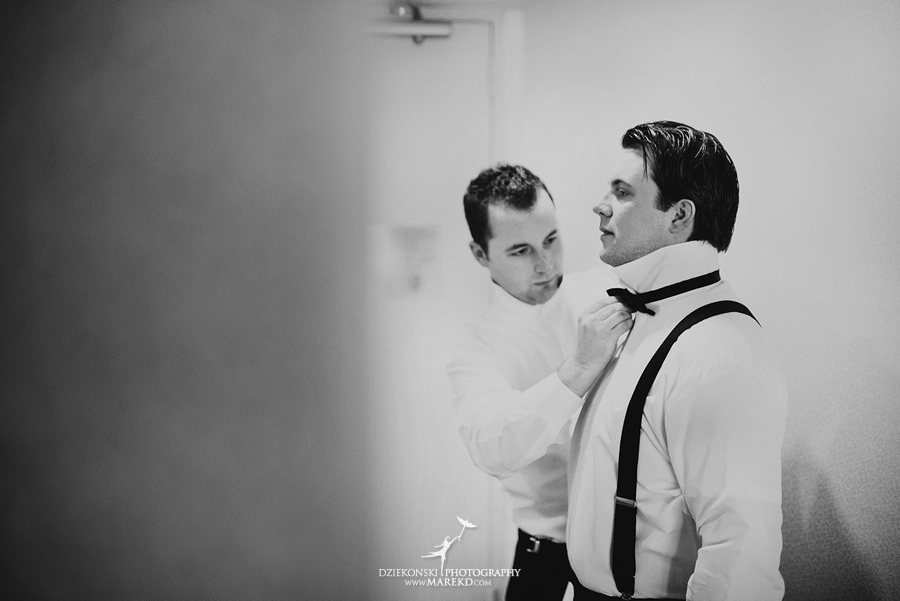 Taryn Nick colony club detroit downtown wedding photographer michigan winter snow townhall renaissance center GM central depot09 Taryn and Nicks Snowy Winter Wedding at Colony Club in Downtown Detroit, MI