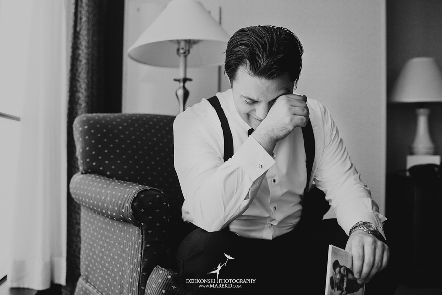 Taryn Nick colony club detroit downtown wedding photographer michigan winter snow townhall renaissance center GM central depot10 Taryn and Nicks Snowy Winter Wedding at Colony Club in Downtown Detroit, MI