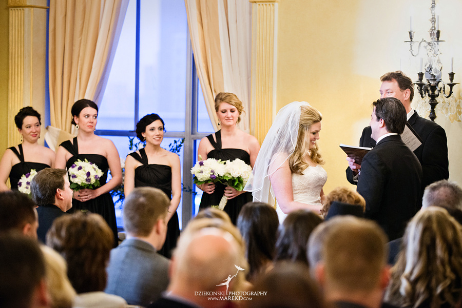 Taryn Nick colony club detroit downtown wedding photographer michigan winter snow townhall renaissance center GM central depot31 Taryn and Nicks Snowy Winter Wedding at Colony Club in Downtown Detroit, MI