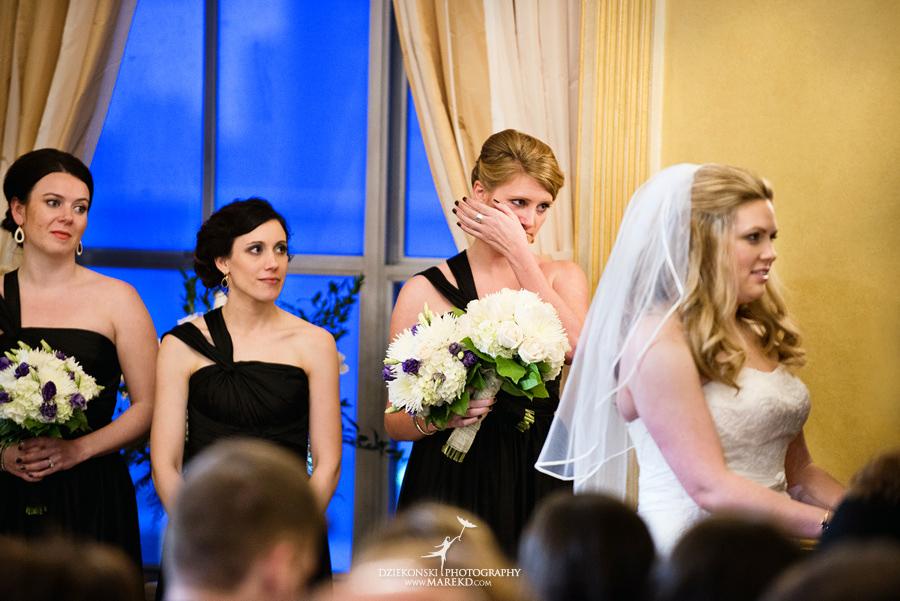 Taryn Nick colony club detroit downtown wedding photographer michigan winter snow townhall renaissance center GM central depot36 Taryn and Nicks Snowy Winter Wedding at Colony Club in Downtown Detroit, MI