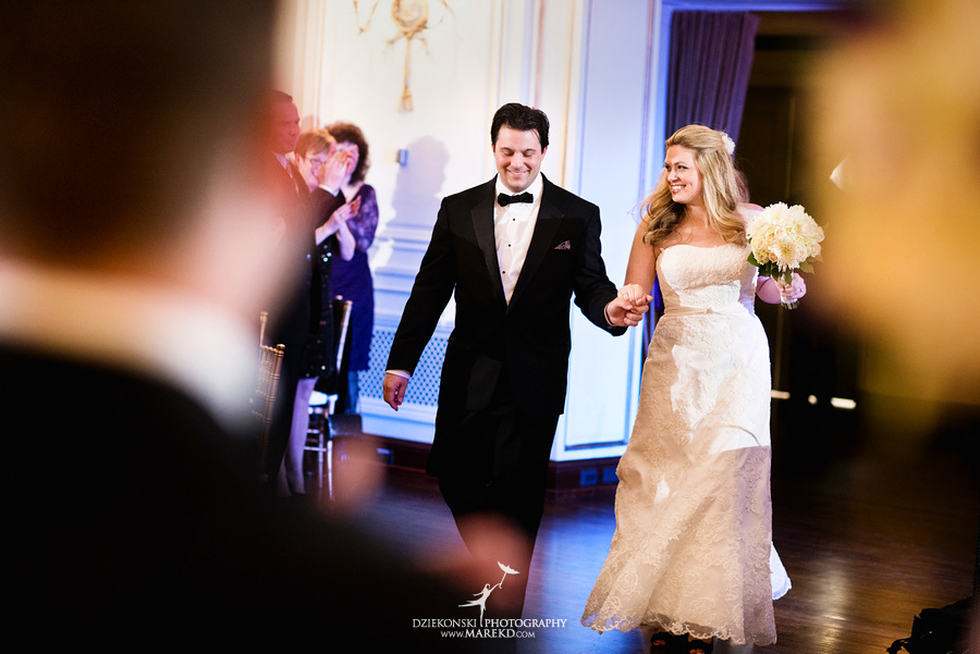 Taryn Nick colony club detroit downtown wedding photographer michigan winter snow townhall renaissance center GM central depot41 Taryn and Nicks Snowy Winter Wedding at Colony Club in Downtown Detroit, MI
