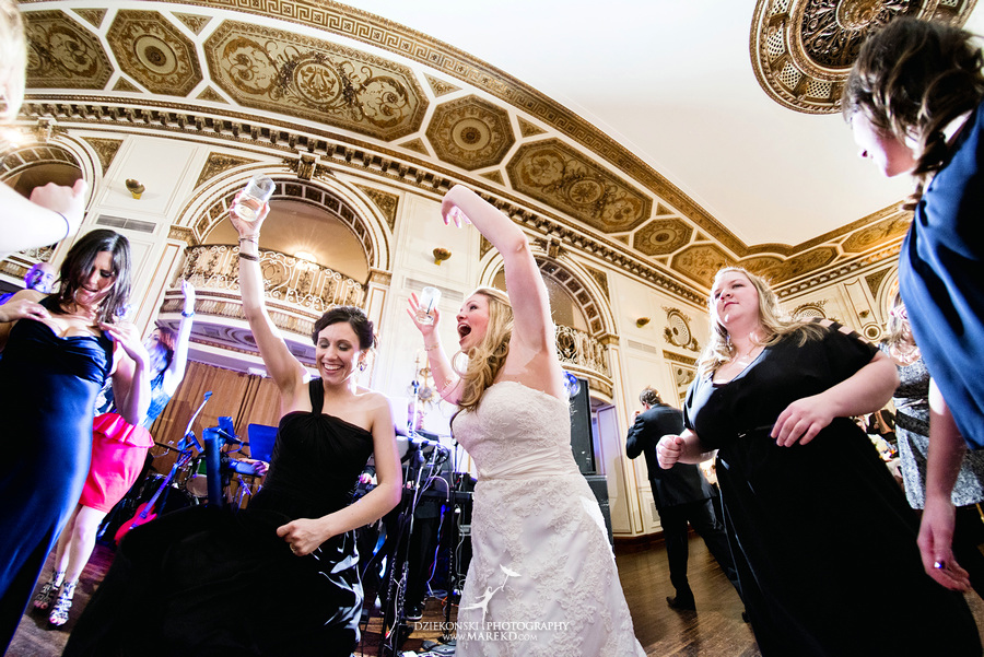 Taryn Nick colony club detroit downtown wedding photographer michigan winter snow townhall renaissance center GM central depot61 Taryn and Nicks Snowy Winter Wedding at Colony Club in Downtown Detroit, MI