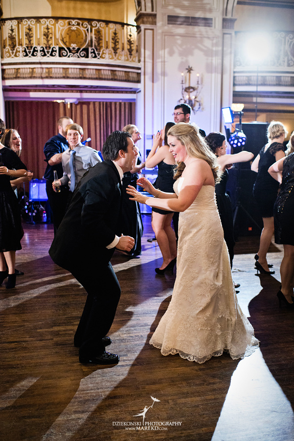 Taryn Nick colony club detroit downtown wedding photographer michigan winter snow townhall renaissance center GM central depot63 Taryn and Nicks Snowy Winter Wedding at Colony Club in Downtown Detroit, MI