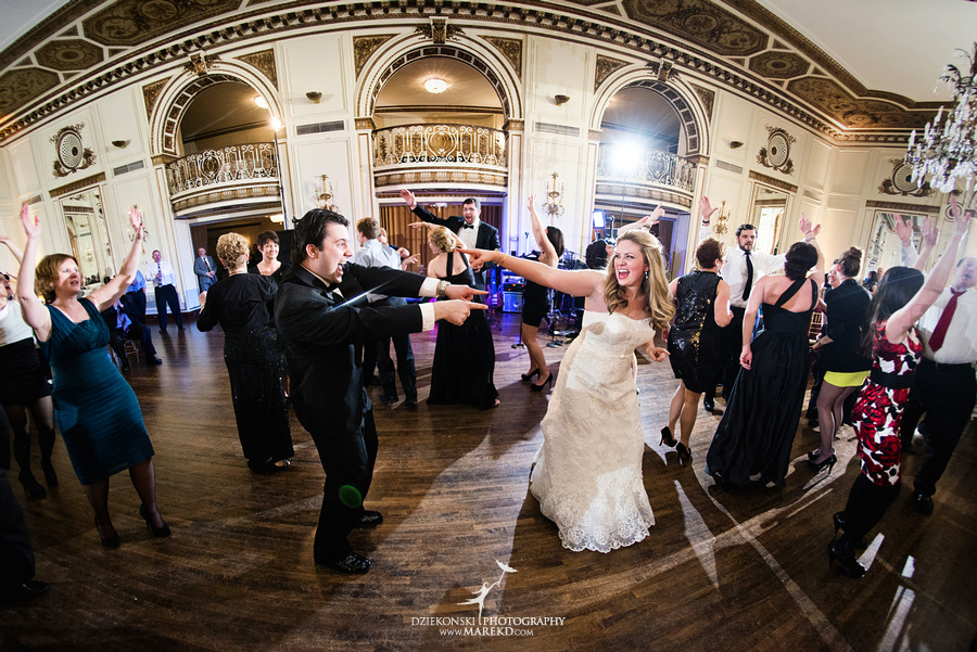 Taryn Nick colony club detroit downtown wedding photographer michigan winter snow townhall renaissance center GM central depot64 Taryn and Nicks Snowy Winter Wedding at Colony Club in Downtown Detroit, MI