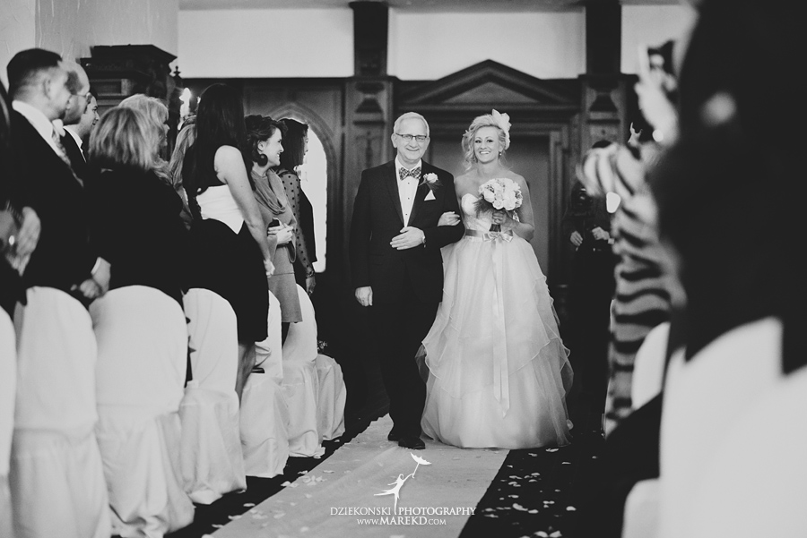 Breanna-Matt-wedding-winter-march-snow-indianwood-golf-and-country-club-lake-orion-ceremony-reception14