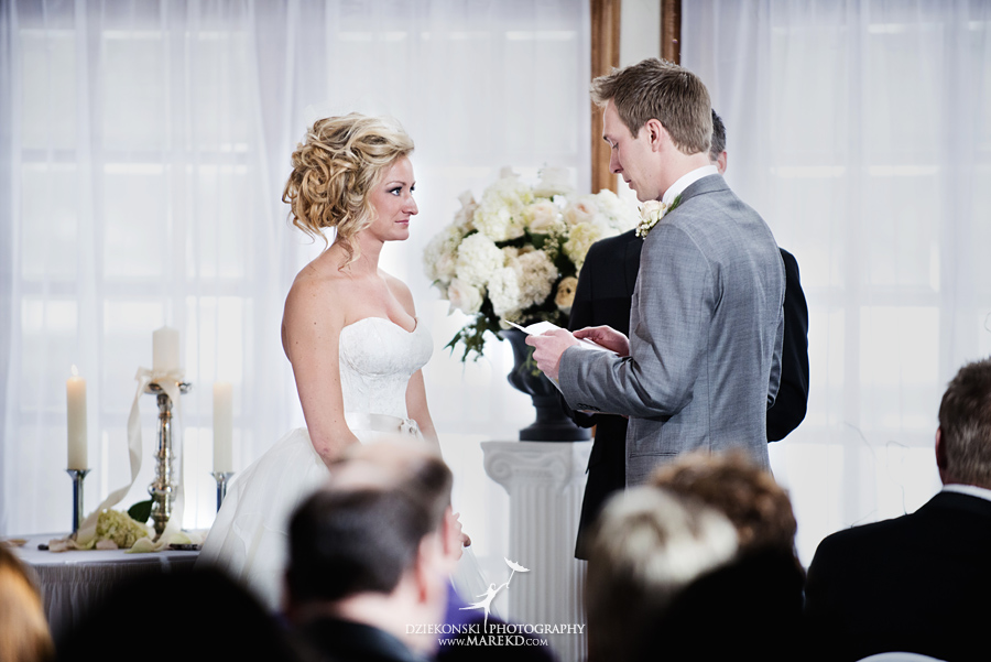 Breanna-Matt-wedding-winter-march-snow-indianwood-golf-and-country-club-lake-orion-ceremony-reception18