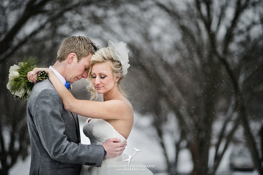Breanna-Matt-wedding-winter-march-snow-indianwood-golf-and-country-club-lake-orion-ceremony-reception28