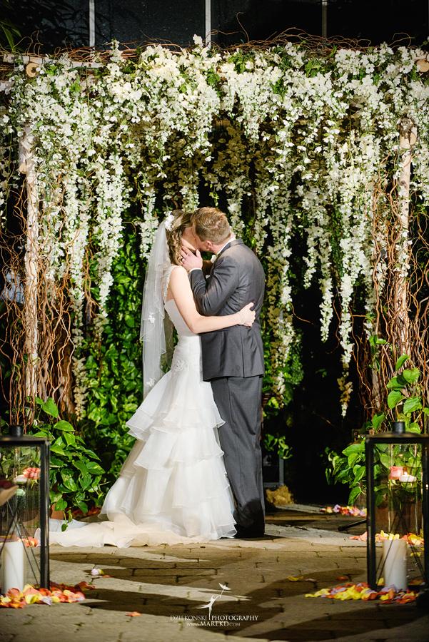 Karen And Brads Wedding At Planterra Conservatory In West Bloomfield Michigan Dziekonski