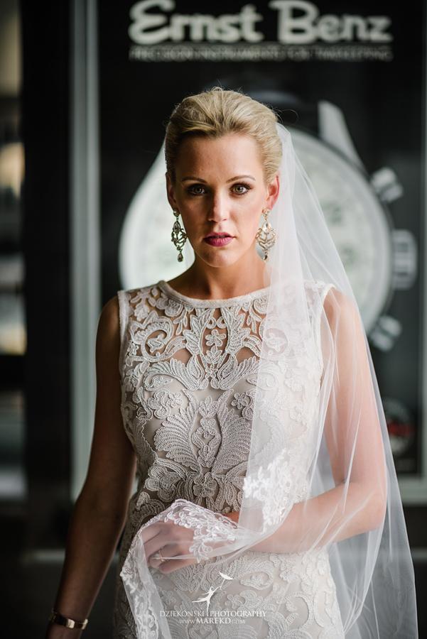 Wedding Dresses Lansing Mi 47 Vintage  Lauren Kevin centerpoin