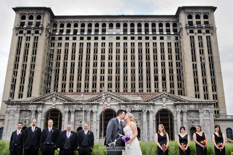 Kelly Jon Mocad Museum Contemporary Art Detroit Michigan Wedding Photographer
