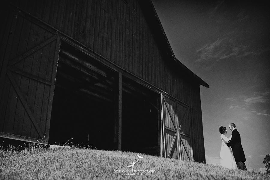 Crossroads Village flint michigan wedding photographer pictures umbrella fan203 - Test2