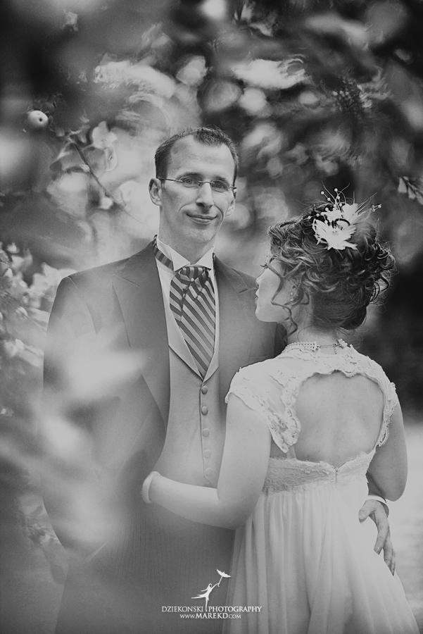 Crossroads Village flint michigan wedding photographer pictures umbrella fan273 - Test2