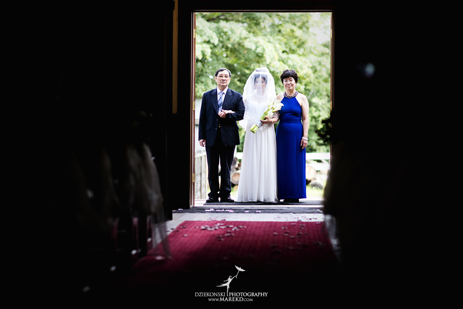 Crossroads Village flint michigan wedding photographer pictures umbrella fan283 - Test2