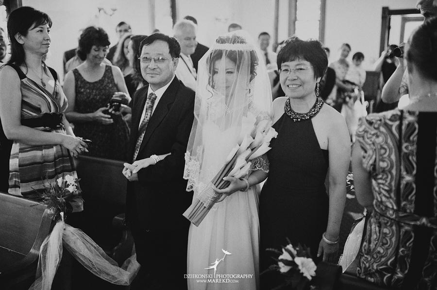 Crossroads Village flint michigan wedding photographer pictures umbrella fan303 - Test2
