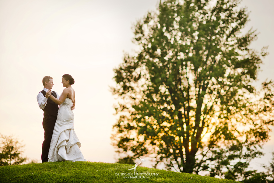 lauren mike atlas valley golf country club grand blanc holy family catholic church michigan wedding photographer pictures01 - Lauren and Mike