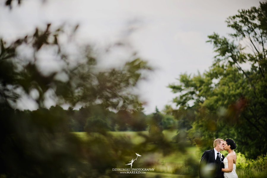 lauren mike atlas valley golf country club grand blanc holy family catholic church michigan wedding photographer pictures04 - Lauren and Mike