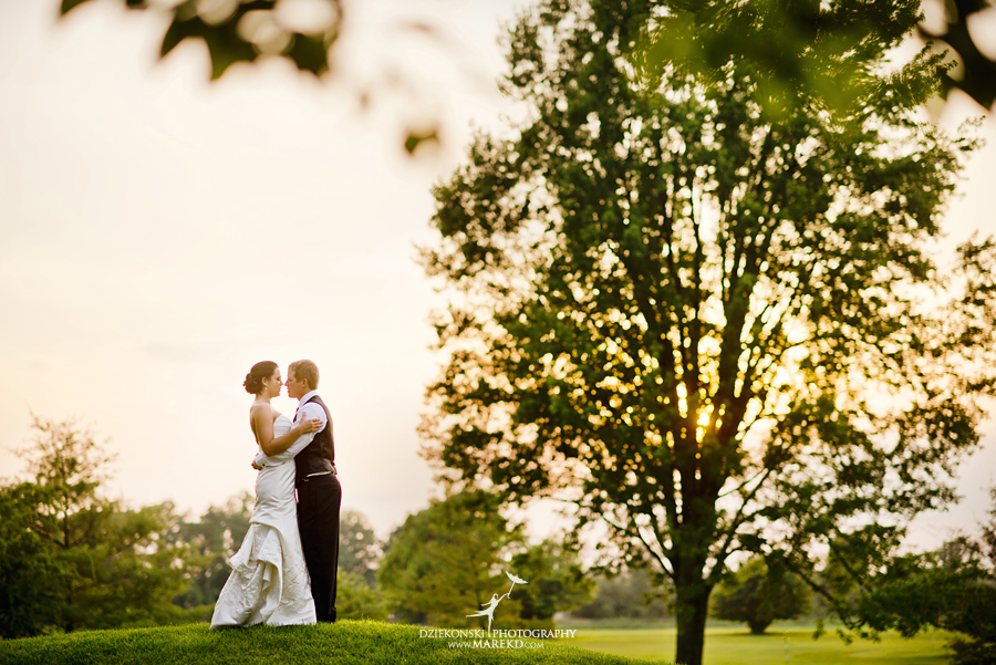 lauren mike atlas valley golf country club grand blanc holy family catholic church michigan wedding photographer pictures29 - Lauren and Mike