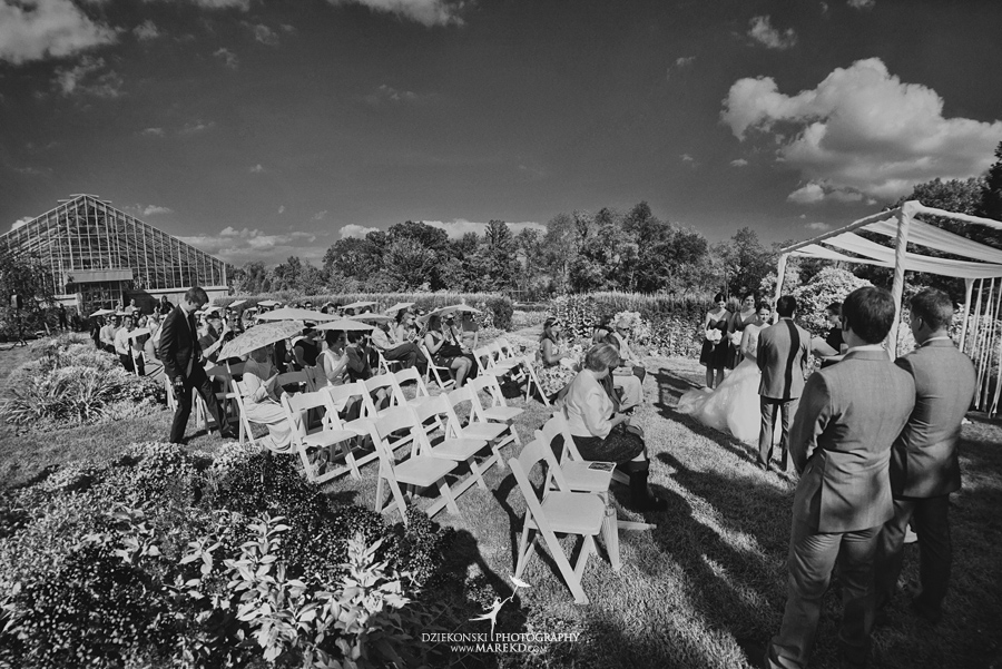 Alina Levi wedding photographer pictures ann arbor michigan mathei botanical gardens webers inn summer yellow twofoot creative bill hamilton designs25 - Alina and Levi