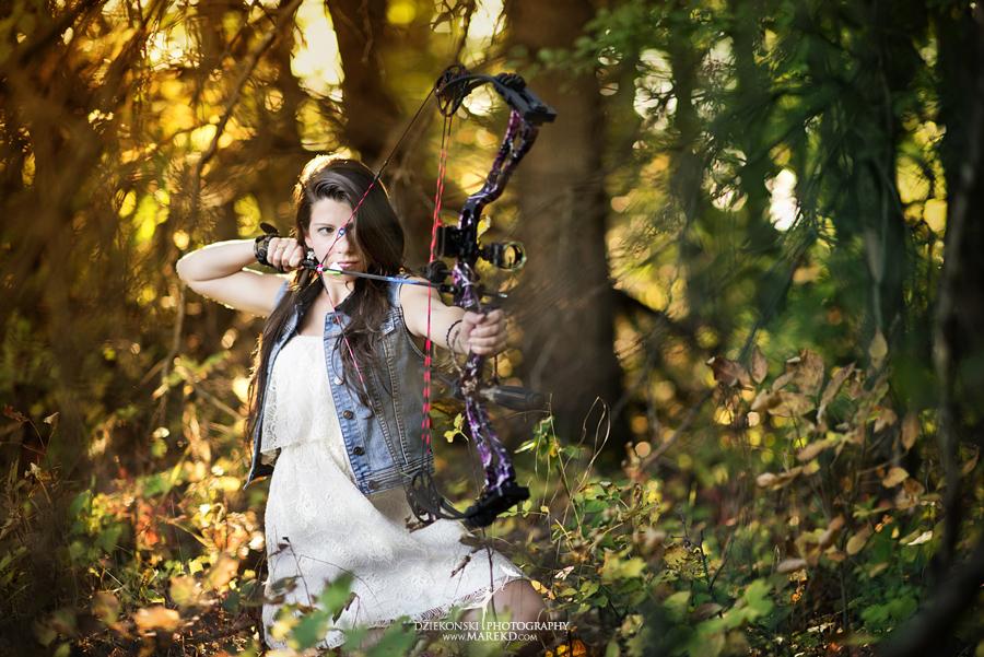 shannon_disalle_senior_pictures_clarkston_lake_orion_oaks_park_michigan_original_different_bow_props_fall_susnet3