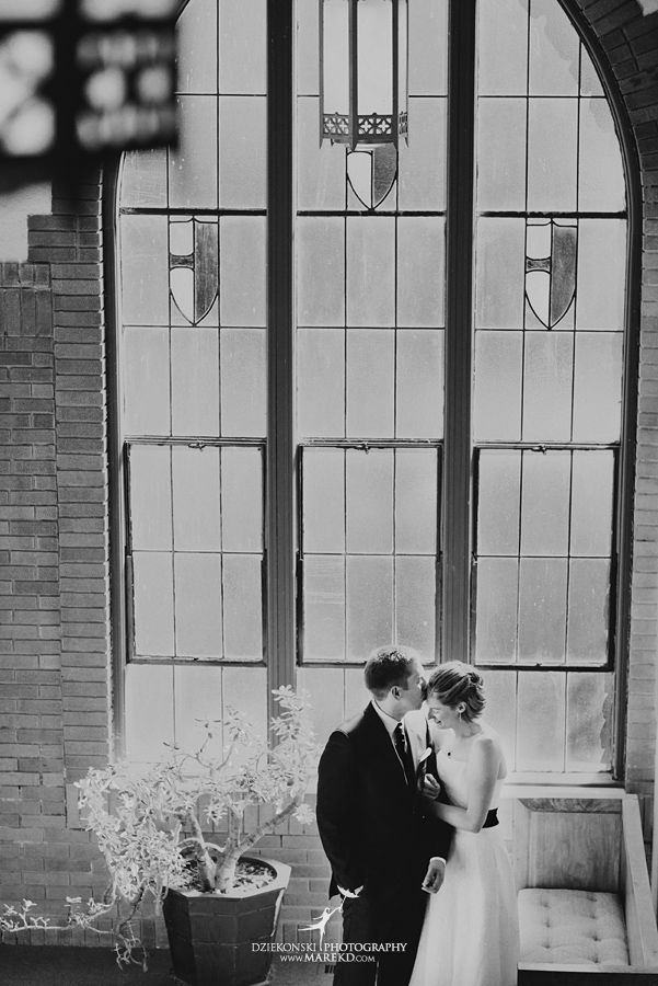 Erica Pete wedding michigan fenton st johns chapel fall pictures14 - Erica and Pete
