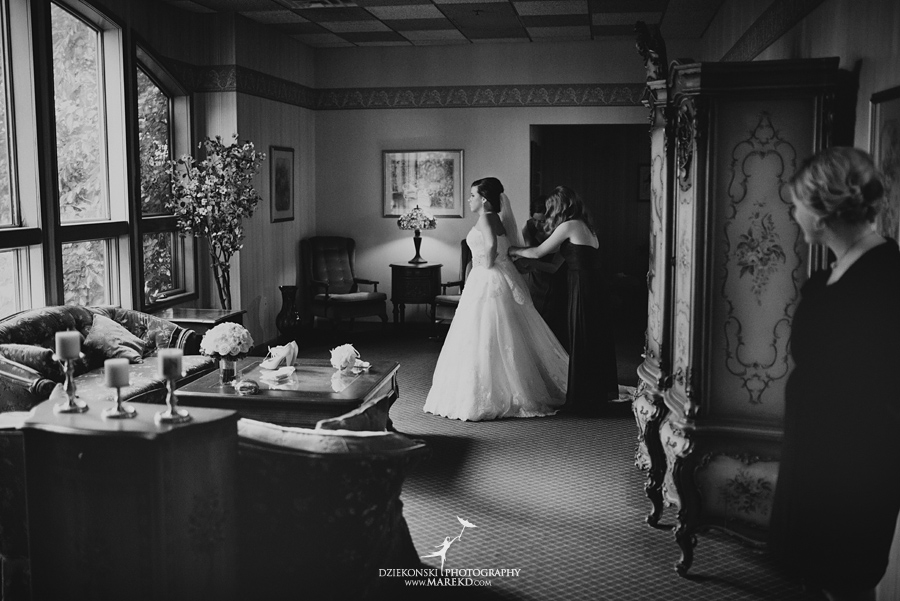 indianwood gold and country club lake orion wedding photography couple fall sunset ceremony michigan top best09 - Kristin and Jason