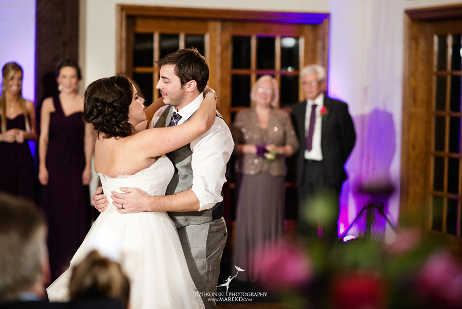 indianwood gold and country club lake orion wedding photography couple fall sunset ceremony michigan top best33 - Kristin and Jason