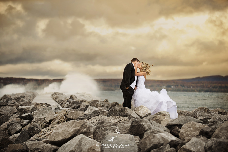 Jennifer_Andrew_catholic-mass-up-north-fall-petoskey-shore-water-michigan-wedding-photographer01