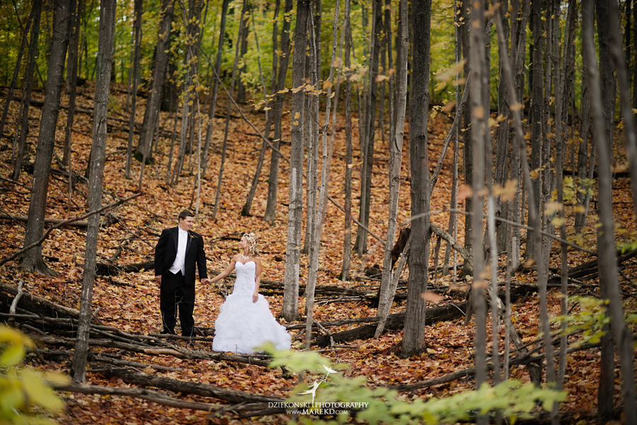 Jennifer_Andrew_catholic-mass-up-north-fall-petoskey-shore-water-michigan-wedding-photographer03