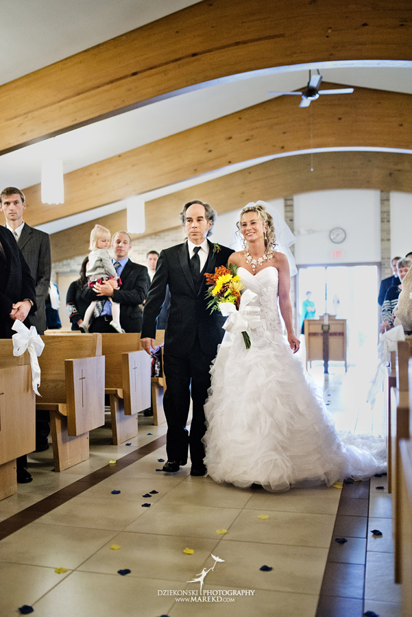 Jennifer_Andrew_catholic-mass-up-north-fall-petoskey-shore-water-michigan-wedding-photographer10