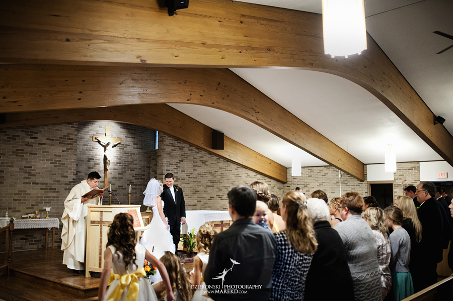 Jennifer_Andrew_catholic-mass-up-north-fall-petoskey-shore-water-michigan-wedding-photographer12