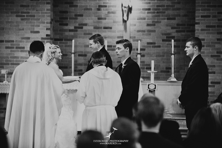 Jennifer_Andrew_catholic-mass-up-north-fall-petoskey-shore-water-michigan-wedding-photographer14
