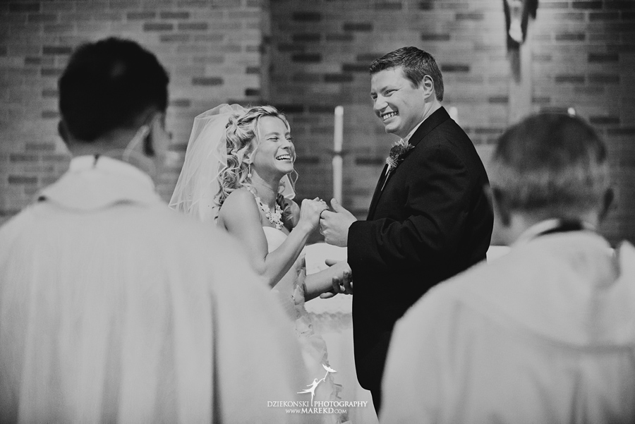 Jennifer_Andrew_catholic-mass-up-north-fall-petoskey-shore-water-michigan-wedding-photographer15