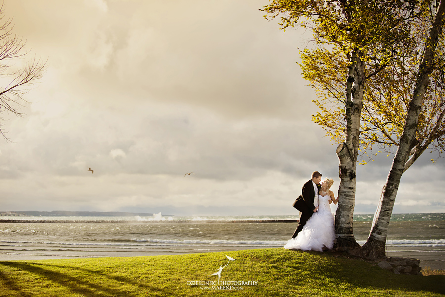 Jennifer_Andrew_catholic-mass-up-north-fall-petoskey-shore-water-michigan-wedding-photographer17