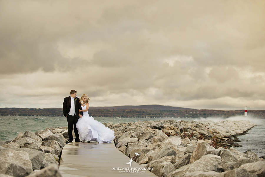 Jennifer_Andrew_catholic-mass-up-north-fall-petoskey-shore-water-michigan-wedding-photographer19