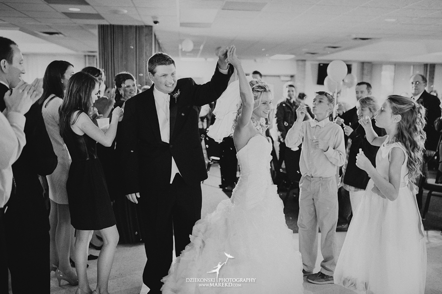 Jennifer_Andrew_catholic-mass-up-north-fall-petoskey-shore-water-michigan-wedding-photographer28