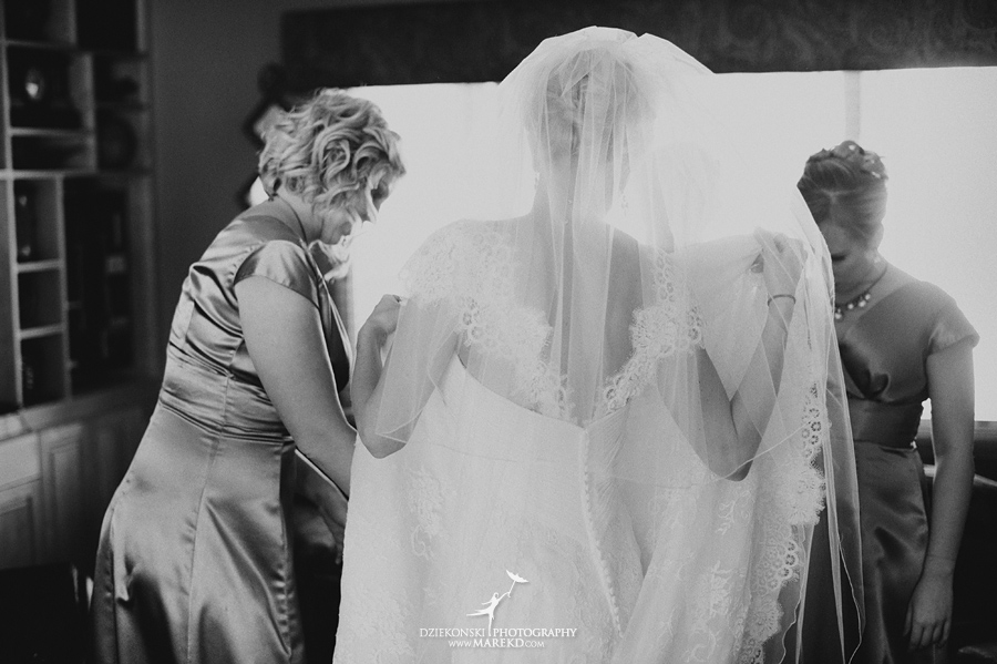 winter_wedding-michigan-orchard-lake-snow-storm-white-cold-dress-first-look-ideas-klellie-nick-st-marys-january-sommerset-in-troy10