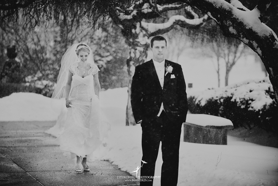 winter_wedding-michigan-orchard-lake-snow-storm-white-cold-dress-first-look-ideas-klellie-nick-st-marys-january-sommerset-in-troy15