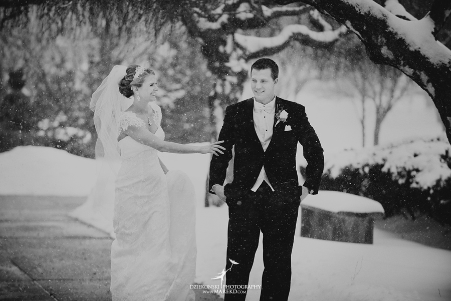 winter_wedding-michigan-orchard-lake-snow-storm-white-cold-dress-first-look-ideas-klellie-nick-st-marys-january-sommerset-in-troy16