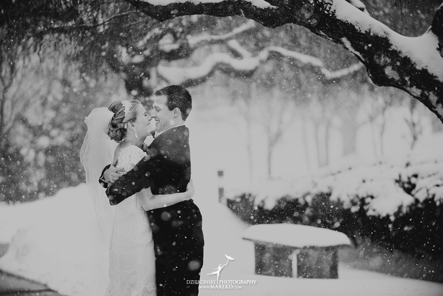winter_wedding-michigan-orchard-lake-snow-storm-white-cold-dress-first-look-ideas-klellie-nick-st-marys-january-sommerset-in-troy17