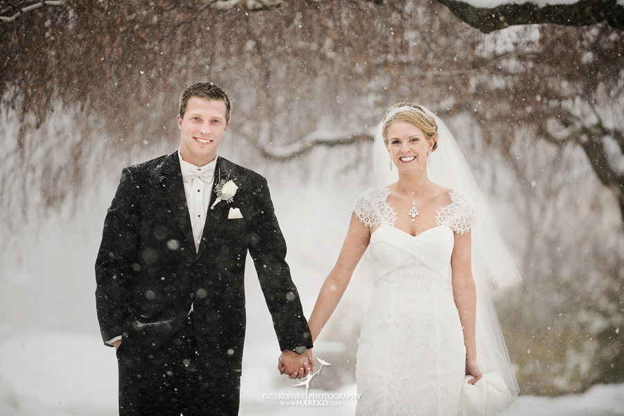 winter_wedding-michigan-orchard-lake-snow-storm-white-cold-dress-first-look-ideas-klellie-nick-st-marys-january-sommerset-in-troy18