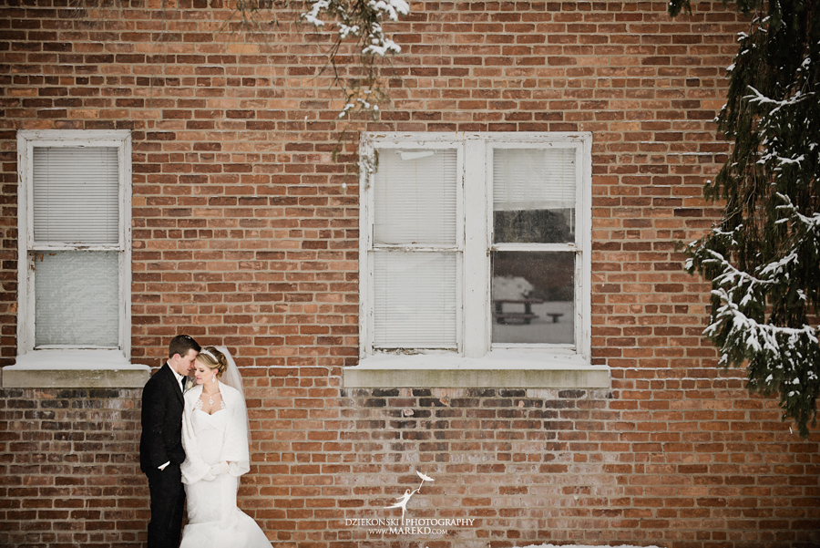 winter_wedding-michigan-orchard-lake-snow-storm-white-cold-dress-first-look-ideas-klellie-nick-st-marys-january-sommerset-in-troy22