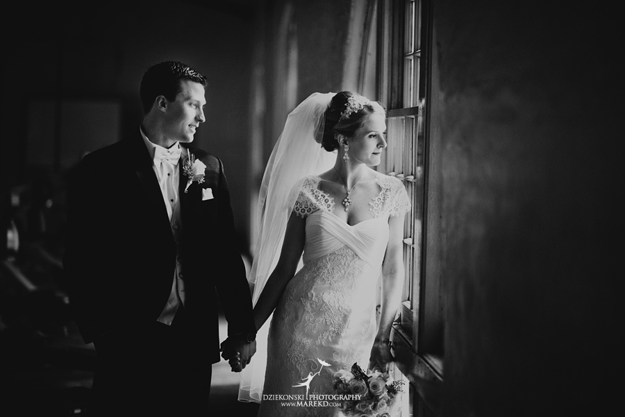winter_wedding-michigan-orchard-lake-snow-storm-white-cold-dress-first-look-ideas-klellie-nick-st-marys-january-sommerset-in-troy25