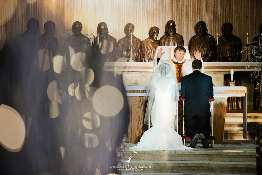 winter_wedding-michigan-orchard-lake-snow-storm-white-cold-dress-first-look-ideas-klellie-nick-st-marys-january-sommerset-in-troy37