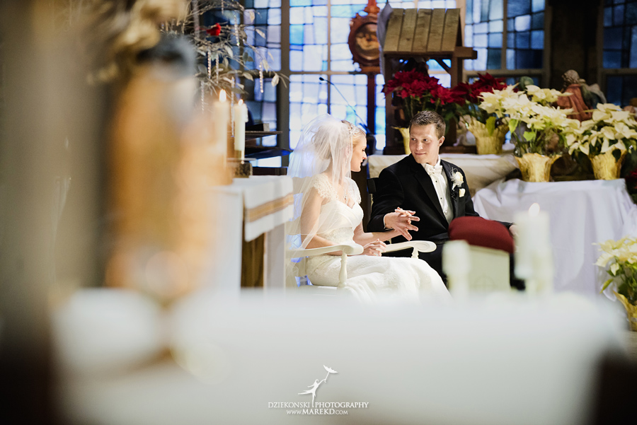 winter_wedding-michigan-orchard-lake-snow-storm-white-cold-dress-first-look-ideas-klellie-nick-st-marys-january-sommerset-in-troy39