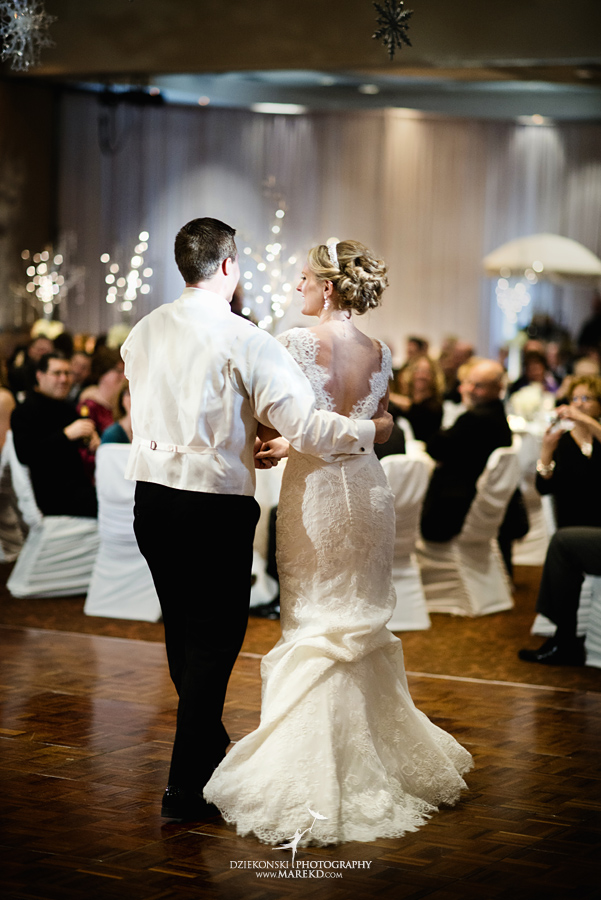 winter_wedding-michigan-orchard-lake-snow-storm-white-cold-dress-first-look-ideas-klellie-nick-st-marys-january-sommerset-in-troy48